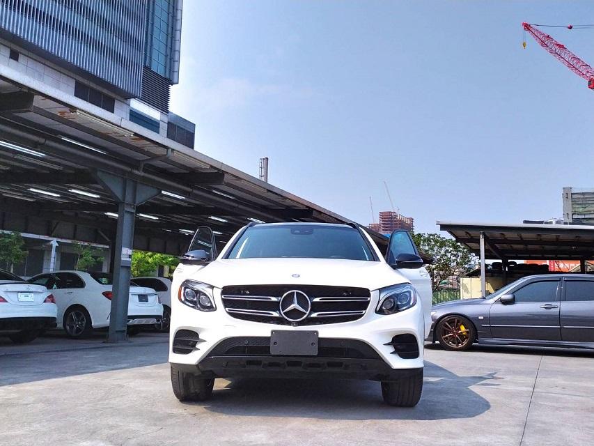 M-Benz GLC300 4matic AMG Line 2017年式